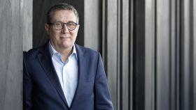 El escritor Luisgé Martín, este lunes en Barcelona.