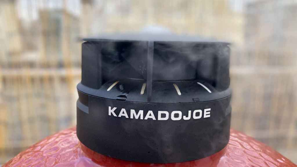 Ajuste de la válvula para regular la temperatura del Kamado Joe