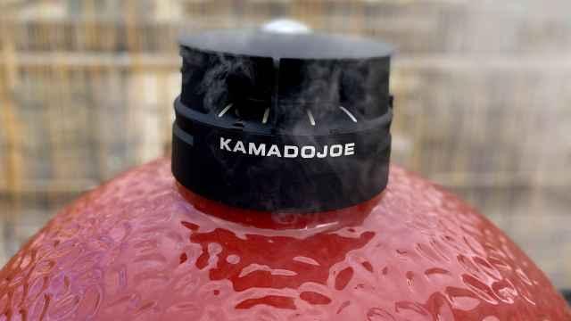 Kamado Joe: Qué es y cómo funciona esta barbacoa que también es horno de carbón