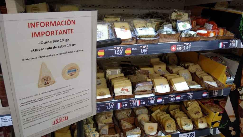 Lidl avisa a sus clientes de las dos alertas alimentarias de sus dos quesos.