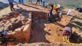 Los arqueólogos trabajando en el yacimiento recién descubierto.
