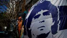 Fans de Diego Maradona en la puerta de la clínica