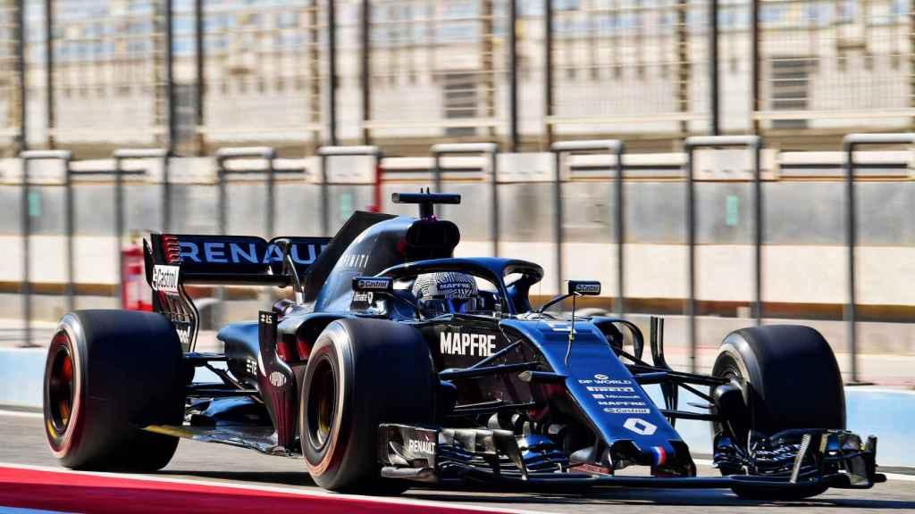 Fernando Alonso en el Circuito de Shakir con el Renault RS18