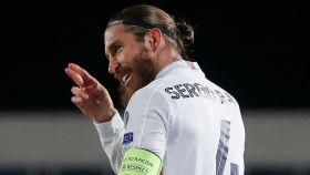 Sergio Ramos, con el '4' del Real Madrid a la espalda