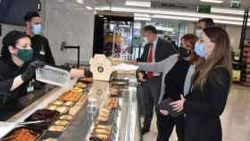 Visita de la alcaldesa de Talavera, Tita García, a la nueva tienda de Mercadona en la ciudad