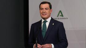 Juanma Moreno pide que Sánchez proponga el confinamiento domiciliario para salvar la Navidad
