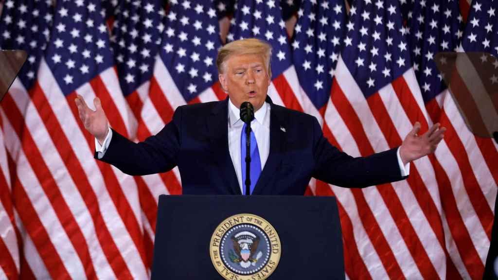 Trump durante su declaración a los medios.