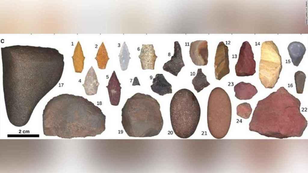 Las herramientas encontradas en el enterramiento de la joven.