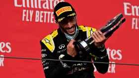 Daniel Ricciardo, en el podio de Imola