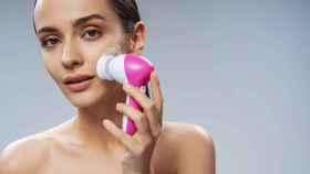 Los 4 mejores cepillos faciales para una piel limpia y fresca