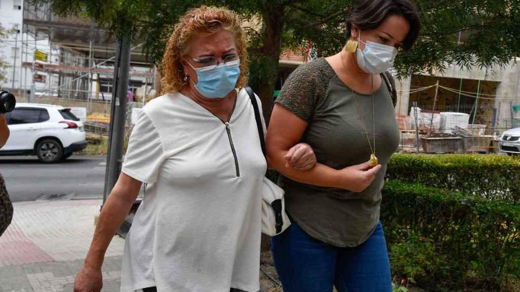 Camila Naranjo, rota de dolor, el día del entierro de Humberto.