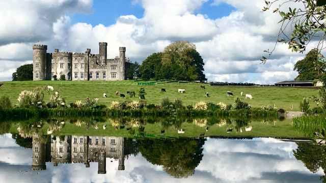 El impresionante castillo de Allen Sanginés-Krause en Irlanda.
