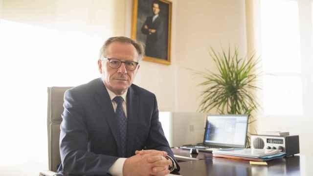 Eduardo de Castro es funcionario de prisiones en excedencia.
