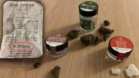 Los tres productos cannábicos que se venden en el estanco y el tíquet de compra