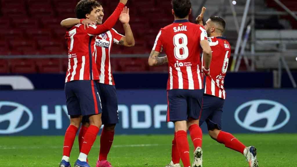 El Atleti celebra uno de sus goles ante el Cádiz