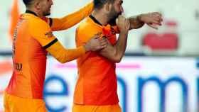 Arda Turan celebra su gol con el Galatasaray