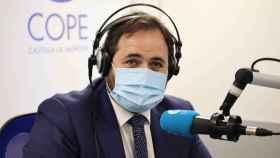 El presidente del PP de Castilla-La Mancha, Paco Núñez, este lunes durante una entrevista en la Cope