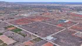 En el centro, la parcela de Onda en la que Amazon ya ha empezado a construir su centro logístico. GOOGLE