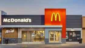 McDonald's retocará su formato: solo pedidos para llevar en restaurantes y ofertas digitales