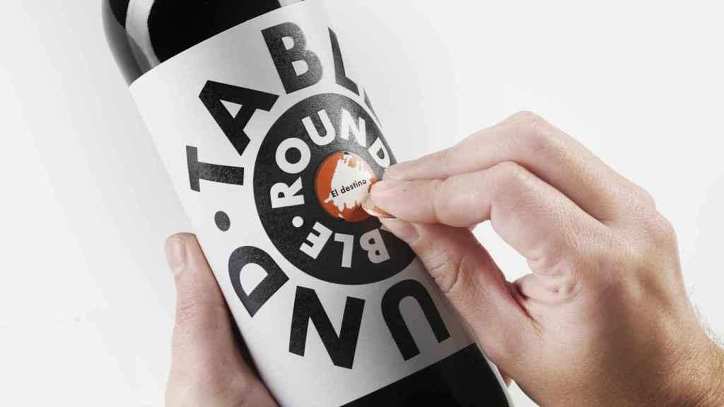 La etiqueta de Round Table incorpora un divertido 'rasca'.