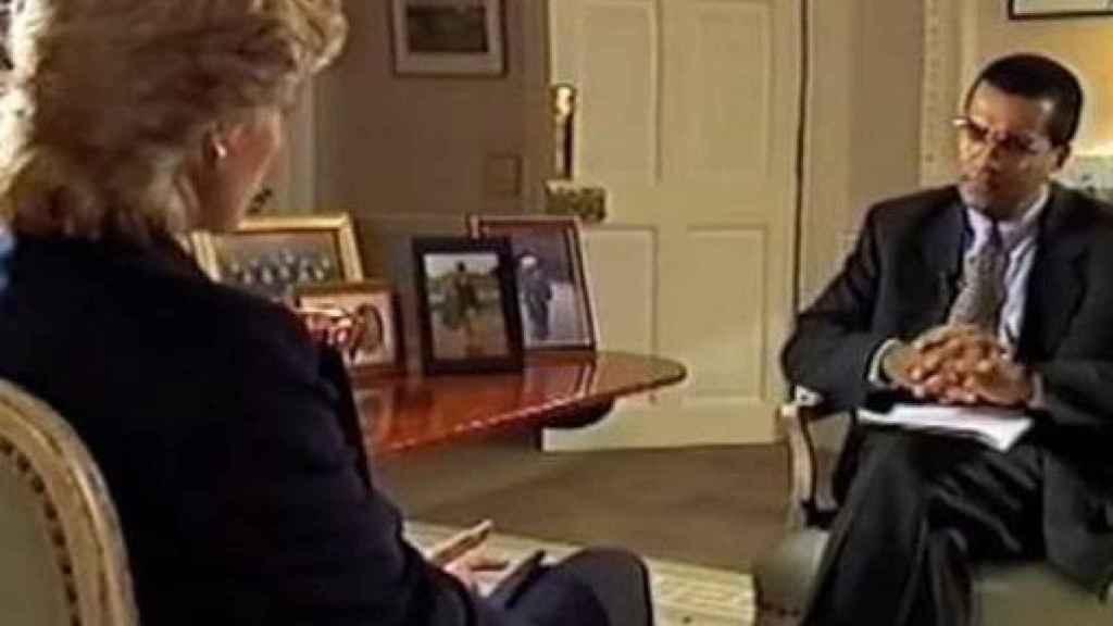 Diana de Gales y Martin Bashir durante la famosa entrevista.