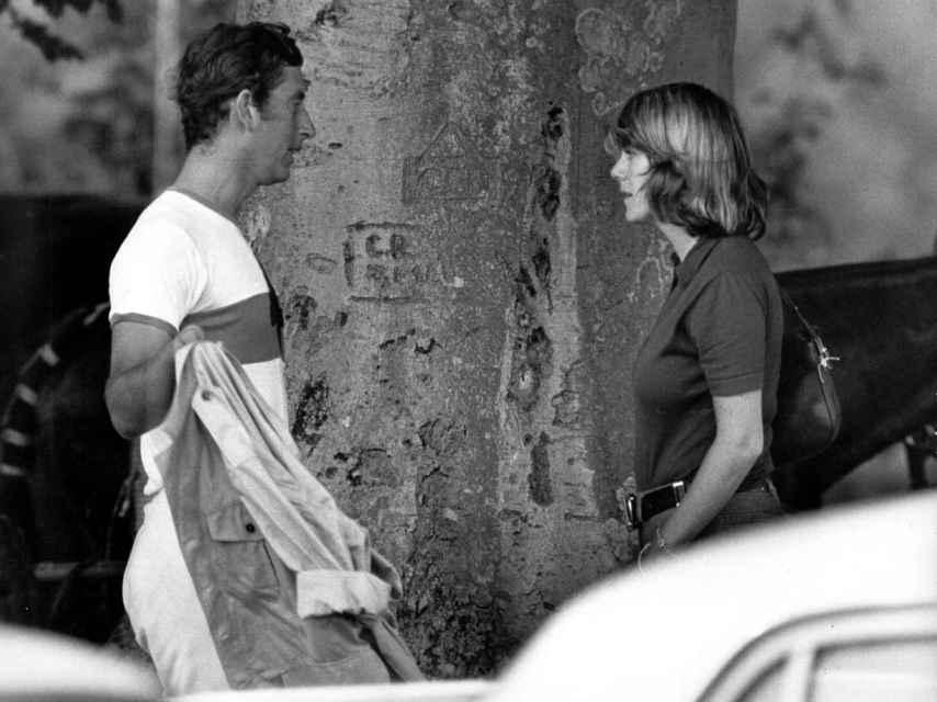El príncipe Carlos y Camila Parker-Bowles en la década de los 70.