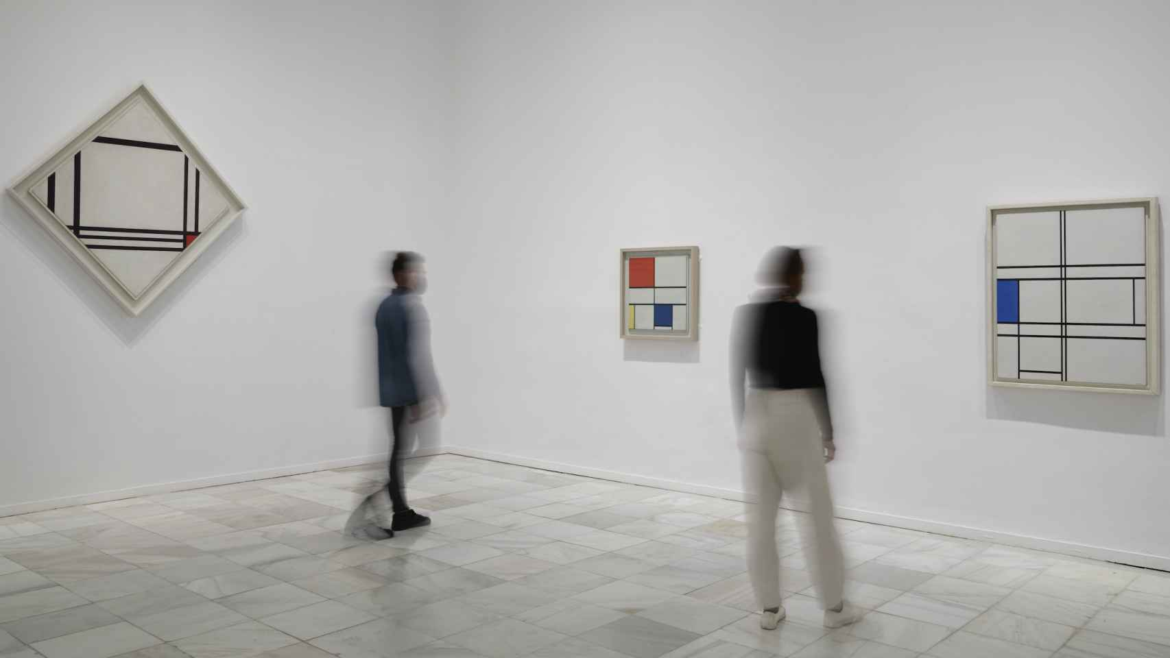 Vista de la exposición 'Mondrian y De Stijl'.