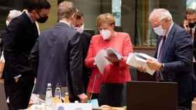 Pedro Sánchez, Emmanuel Macron, Angela Merkel y Josep Borrell, durante la cumbre de la UE de julio