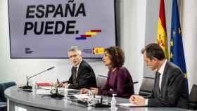 Marlaska, durante la rueda de prensa de este martes, junto a María Jesús Montero y Pedro Duque..