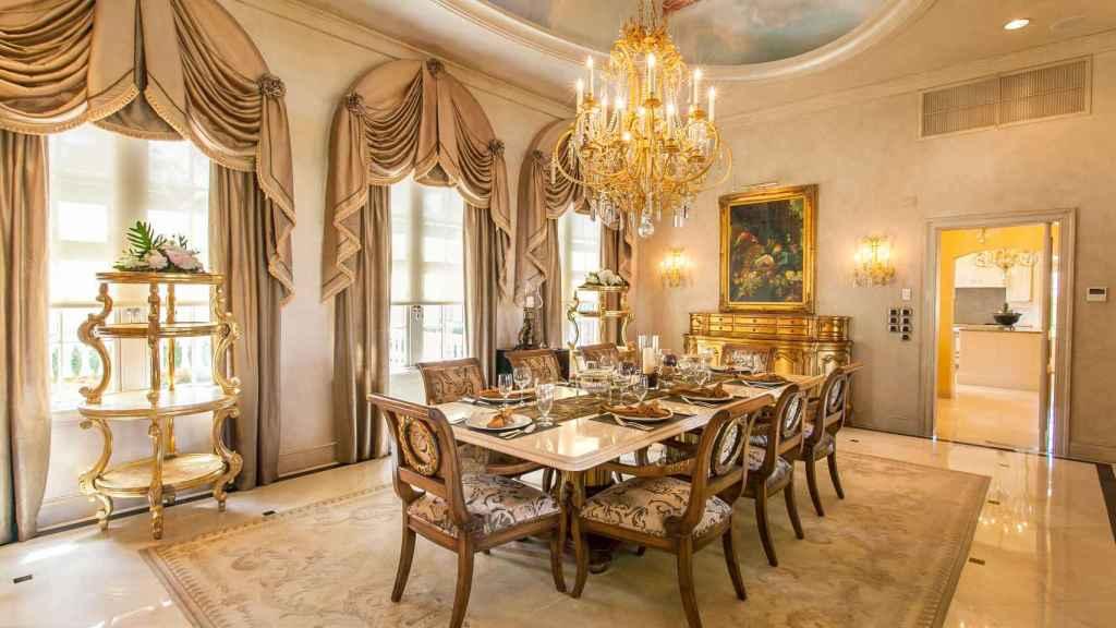 Las villas cuentan con una decoración clásica, que incluye elementos extravagantes.