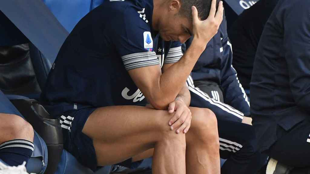 Cristiano Ronaldo, en el banquillo de la Juventus