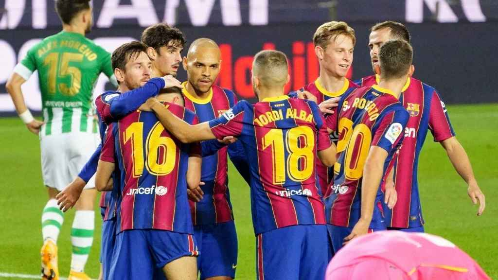 La plantilla del FC Barcelona celebra un gol