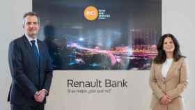 Géraud Lecerf y Andrea Arrossi, director general y directora financiera de RCI Bank and Services en España.