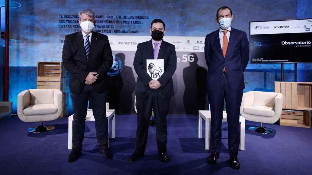 Enrique Blanco (Telefónica), Arturo Criado (Invertia) y José Antonio López (Ericsson).