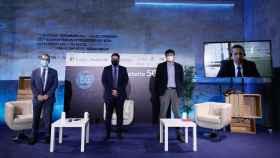 Alberto Moreno, director de regulación de Telefónica; Fernando Cano, jefe de sección de Invertia y Matías González, director de regulación y relaciones institucionales de Vodafone.