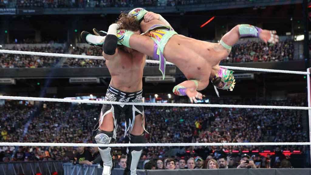 Kalisto, durante una pelea en WWE