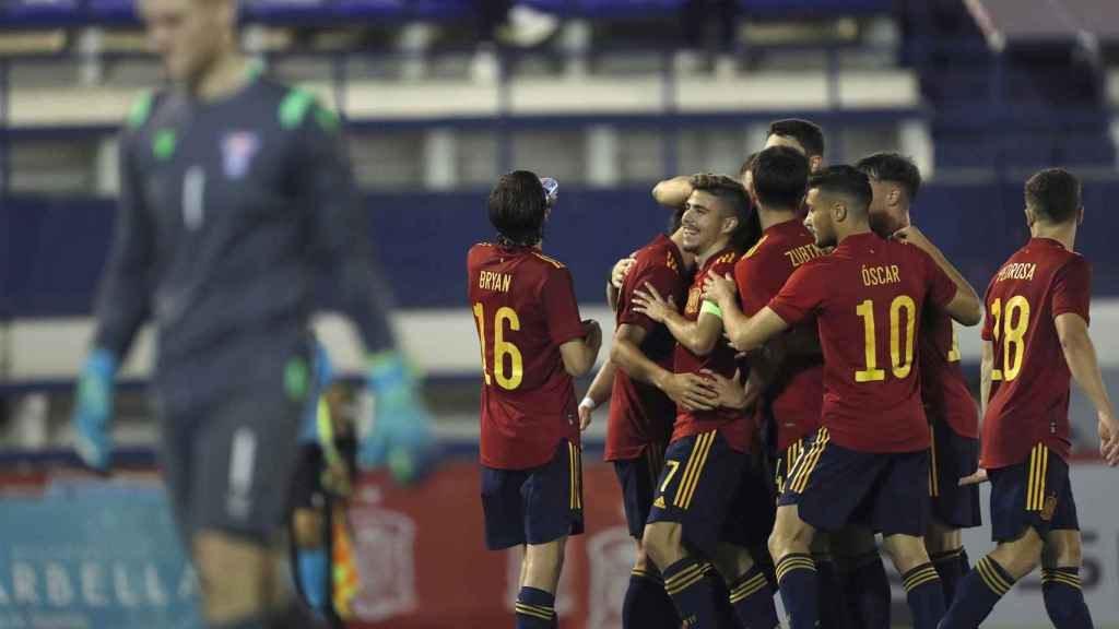 España Sub21 celebra un gol