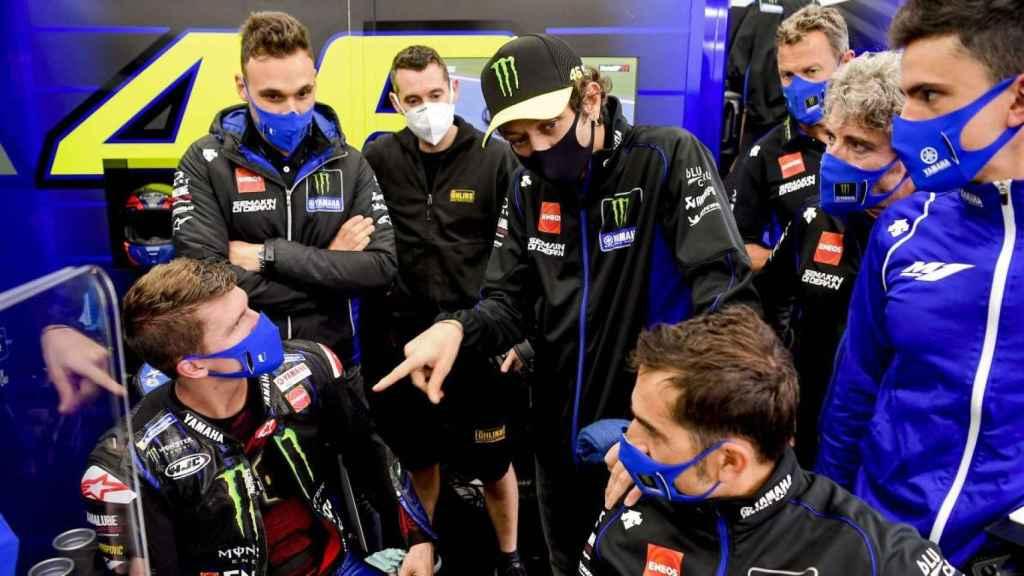 Valentino Rossi, en el box de Movistar Yamaha