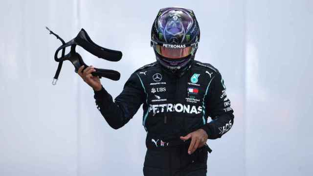 Hamilton en el paddock del GP de Turquía