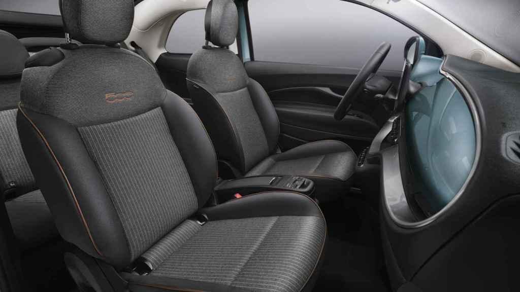 El Fiat 500 tiene una configuración de cuatro plazas.