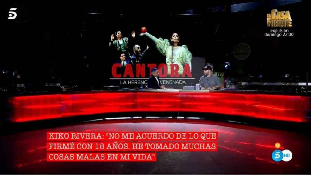 Kiko Rivera sentado en el plató de Telecinco.