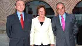 Argimira González junto Fernando Lamata y Francisco Rivas en una imagen de archivo (COPE)
