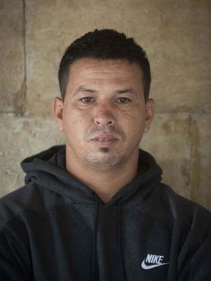 Youssef, marroquí de 33 años, quiere trabajar en el sector de la agricultura. En mi país no hay futuro.