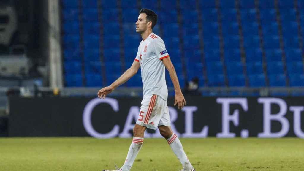 Sergio Busquets, durante el partido entre España y Suiza de la Nations League. Foto: Twitter (@SeFutbol)