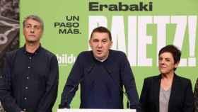 Oskar Matute, Arnaldo Otegi y Mertxe Aizpurua, rostros visibles de EH Bildu.