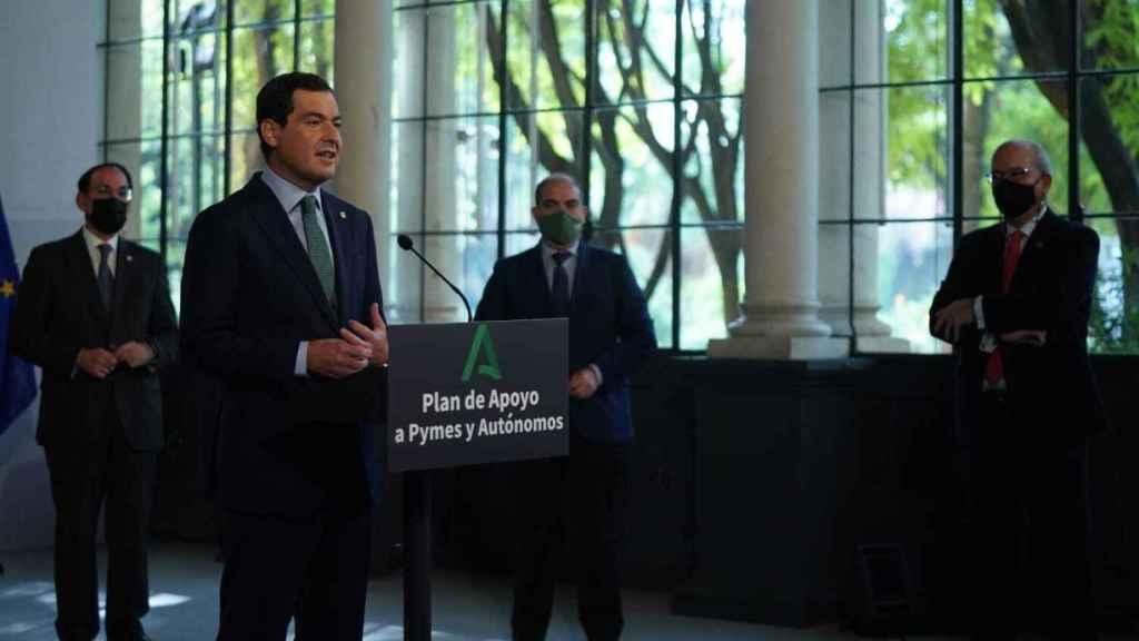 Rueda de prensa del presidente de la Junta de Andalucía, Juanma Moreno.