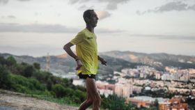 Álex Roca corriendo en un entrenamiento