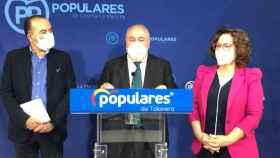Vicente Tirado, este lunes en rueda de prensa junto a Carmen Riolobos y José Julián Gregorio