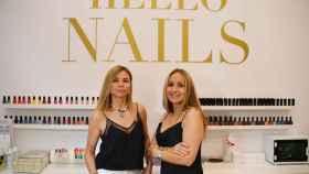 Las dos fundadoras de Hello Nails, el negocio que factura 3,2 millones de euros en manicuras.