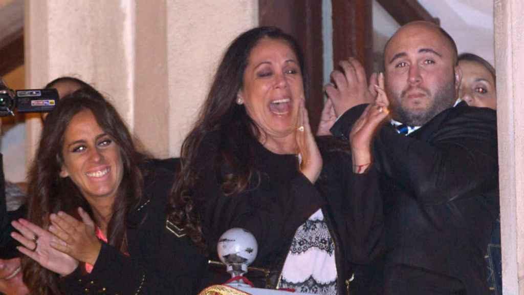 Anabel Pantoja, junto a Isabel Pantoja y Kiko Rivera, en una imagen de archivo.